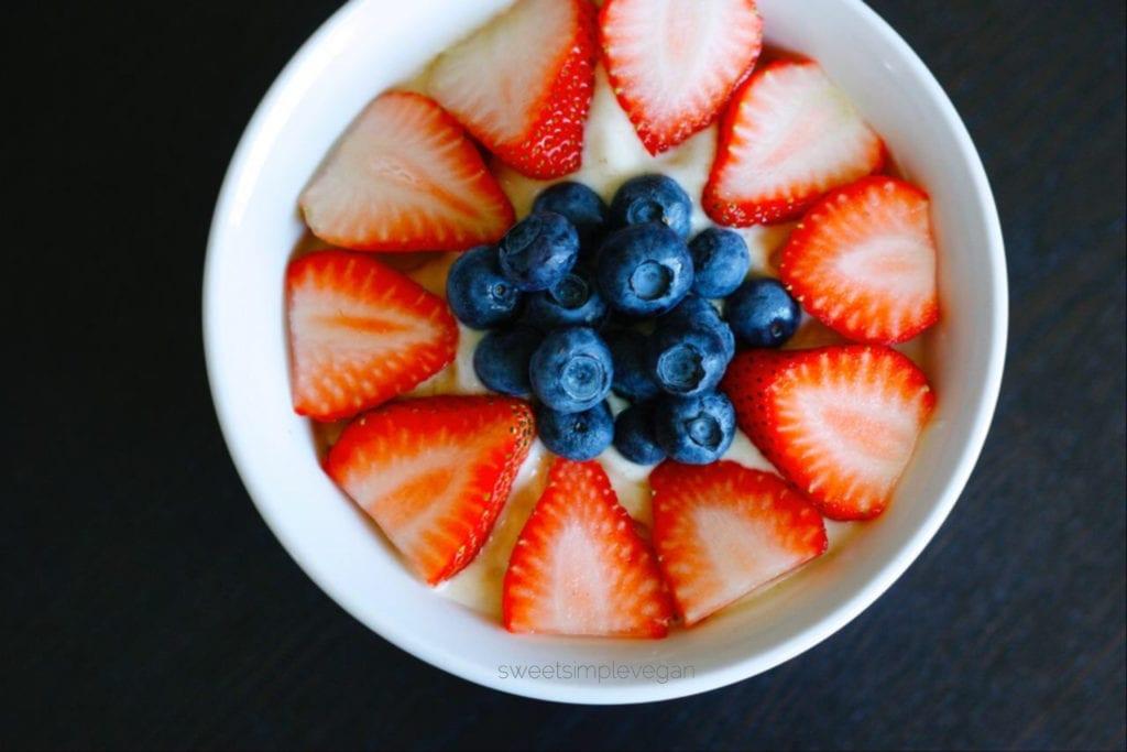 Low Fat Raw Vegan Berries & Cream