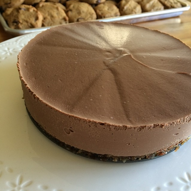 Chocolate Truffle Cake and image via @yvonne_deliciously_vegan