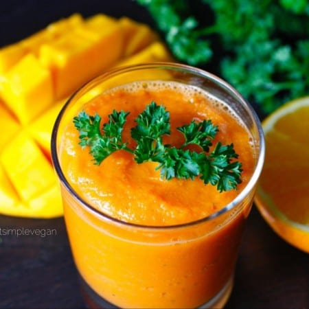 Carrot Ginger Smoothie (Raw)