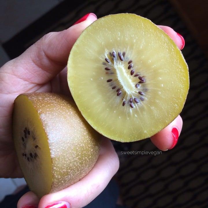 Golden Kiwi Pitaya Smoothie