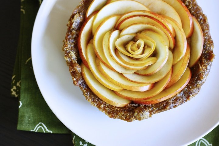 Apple Rose Caramel Tart (Raw)