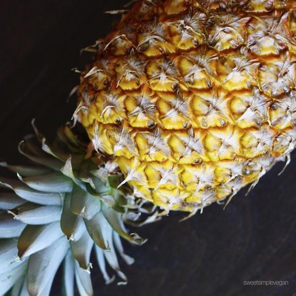 Raw Mango Ice Cream + Homemade Pineapple Flowers