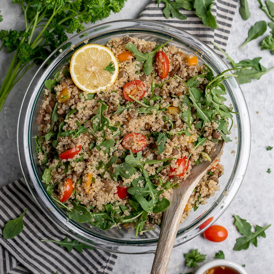 A simple and delicious quinoa, lentil, and arugula salad that is so easy to make and packed with protein! It is perfect to take on the go or enjoy at home! #easy #oilfree #glutenfree #vegan #salad #protein #veganprotein #plantbased #salad #lunch #dinner #entree #togo #onthego #bentobox #mealplan