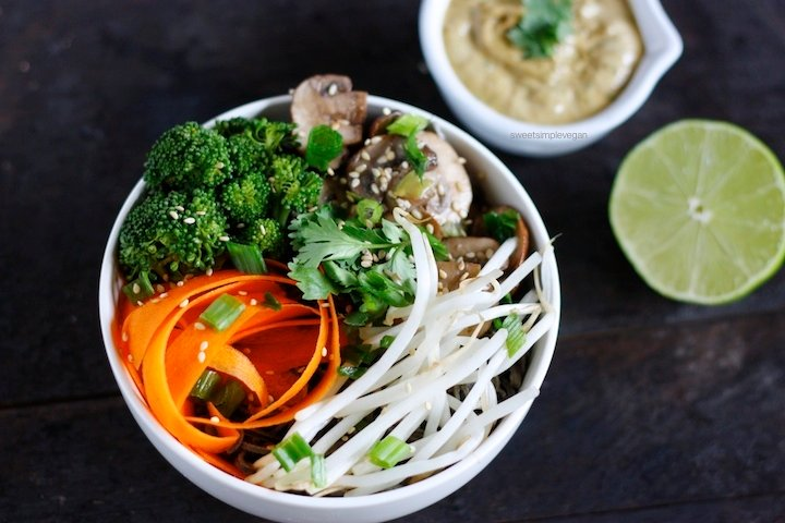 Black Bean Noodle Veggie Bowl + Homemade Peanut Sauce (gf)