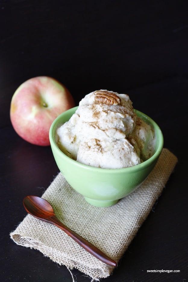Apple Pie Ice Cream (raw, low-fat)