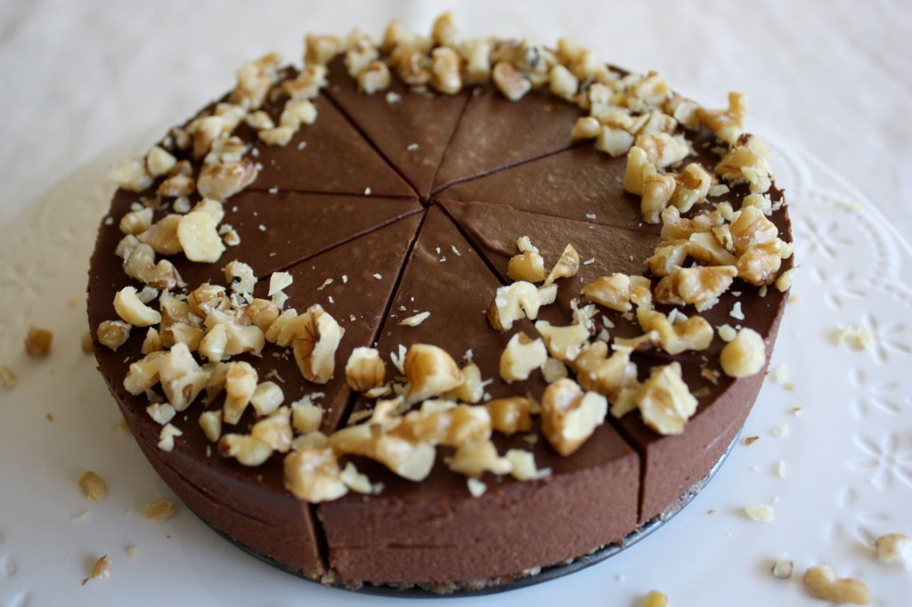 Guest Post: Yvonne Ardestani + Chocolate Truffle Cake (raw)