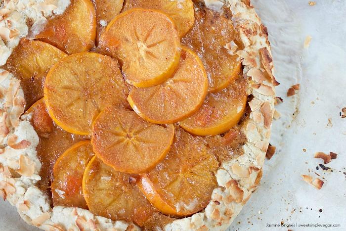 Persimmon Galette w/ Toasted Coconut Covered Crust / Vegan Thanksgiving #veganthanksgiving #vegan #ysjthanksgiving sweetsimplevegan.com