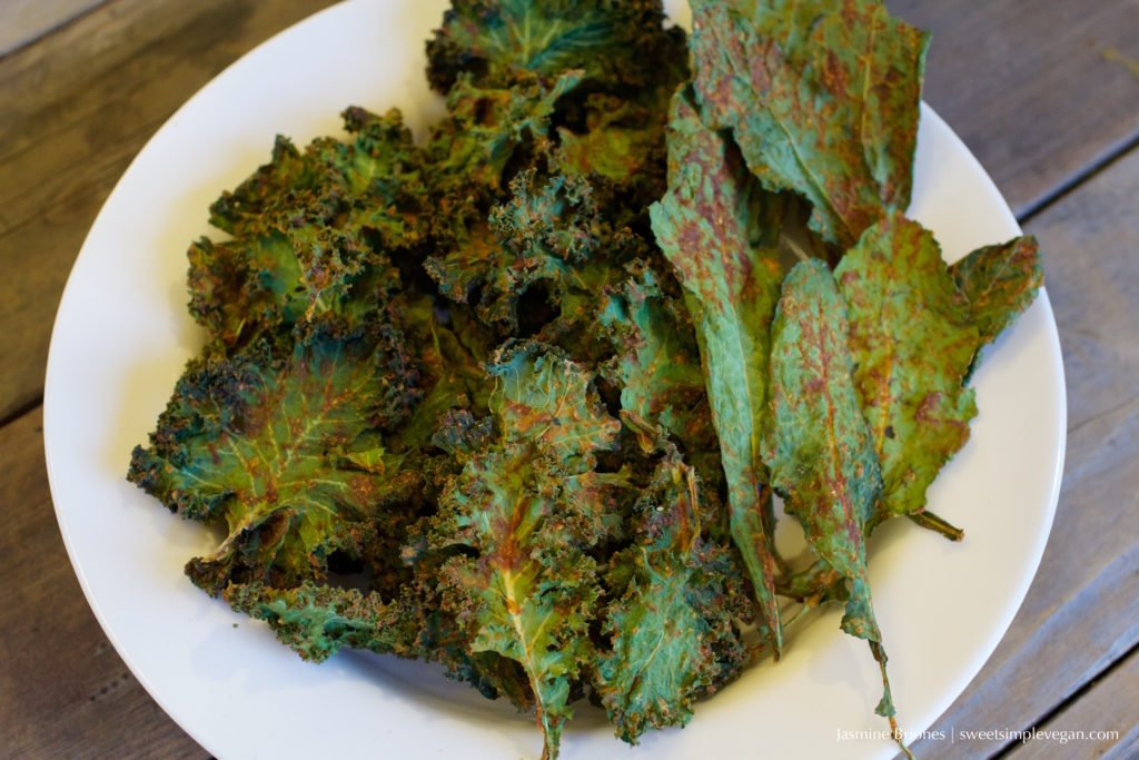 Vegan Cheesy Kale Chips {oil-free, raw}
