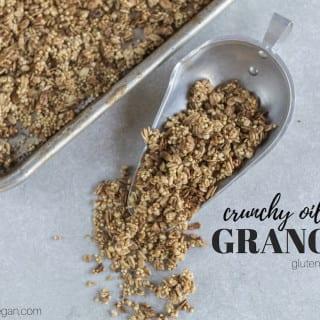 Easy Crunchy Granola {gluten- & oil-free}