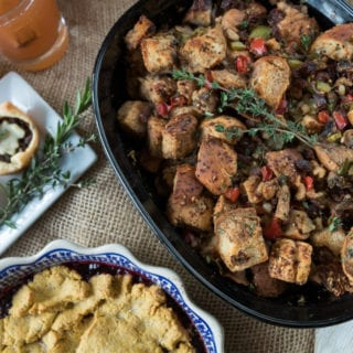 Everything Bagel Vegan Thanksgiving Stuffing {oil-free w/ gf option} + Thanksgiving Recipe Collab!