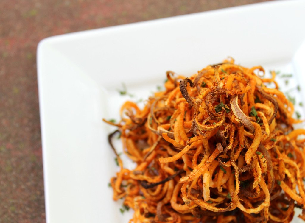 Spicy Spiralized Sweet Potato Fries | 35 Vegan Super Bowl Recipes -- Healthy & Oil-Free! | sweetsimplevegan.com