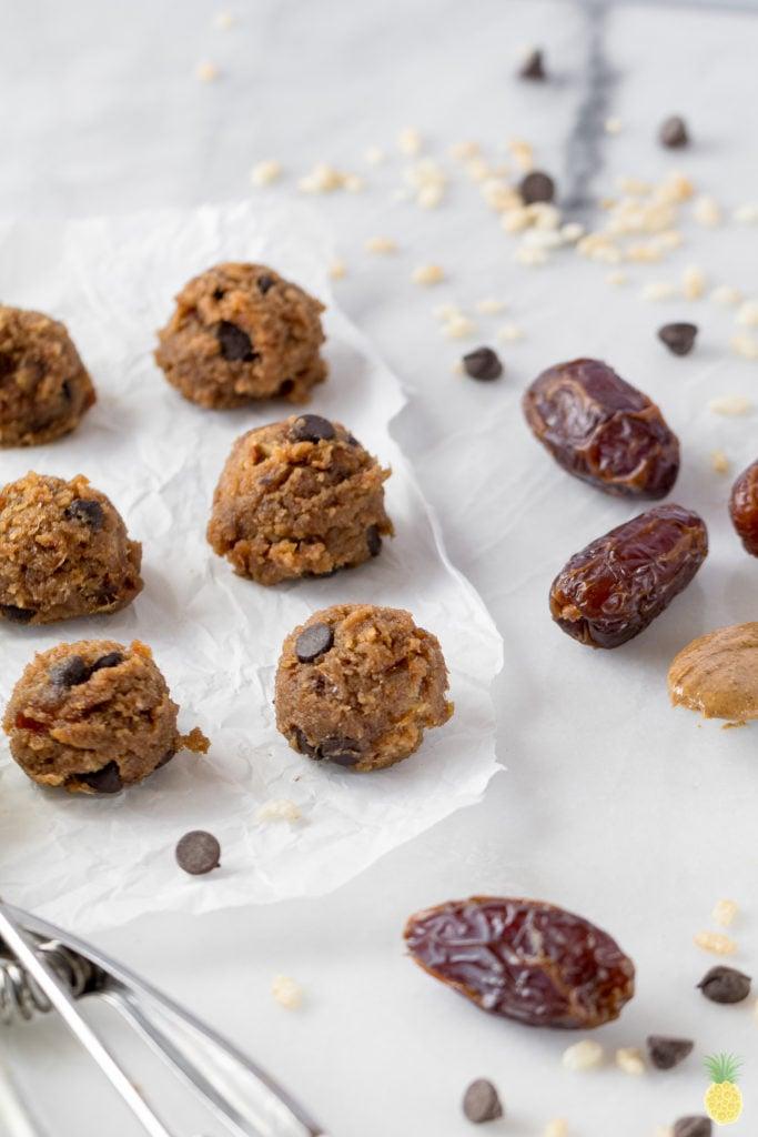 Edible Date-Sweetened Brown Rice Cookie Dough - Ready in 5 Minutes! (Low-fat + Gluten & Chickpea-free} sweetsimplevegan.com #edible #cookiedough #bites #vegan #sugarfree #iqs #sugarcleanse #datesweetened #lowfat #glutenfree