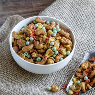 Curried Cashew & Veggie Trail Mix {oil-free}