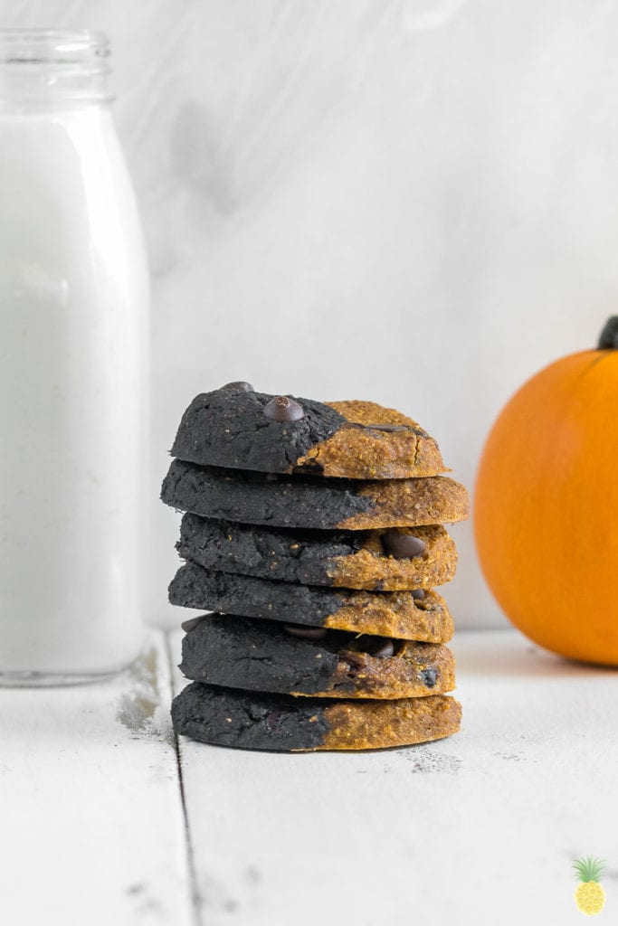 Half & Half Halloween Cookies w/ Activated Charcoal {gluten & oil-free} sweetsimplevegan.com #festive #charcoal #halloween