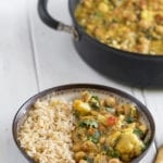 Easy Cauliflower & Chickpea Curry {easy + oil-free} + Cyber Monday Ebook SALE! sweetsimplevegan.com