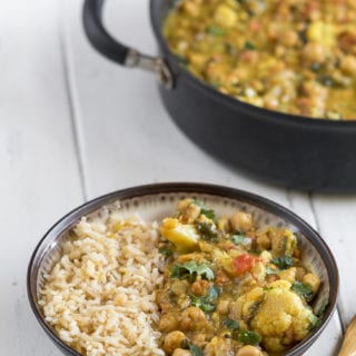 One-Pot Cauliflower & Chickpea Curry {easy + oil-free} + Cyber Monday Ebook SALE!