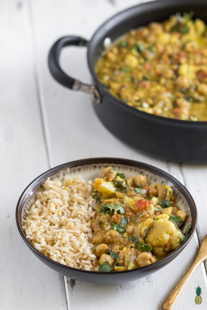 Easy One-Pot Cauliflower & Chickpea Curry {easy + oil-free} + Cyber Monday Ebook SALE! sweetsimplevegan.com