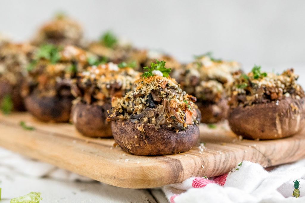 Easy Vegan Lentil & Vegetable Stuffed Mushrooms {healthy + oil-free}http://sweetsimplevegan.com/2017/12/lentil-vegetable-stuffed-mushrooms/