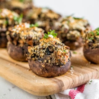 Easy Vegan Lentil & Vegetable Stuffed Mushrooms {healthy + oil-free}http://sweetsimplevegan.com/2017/12/lentil-vegetable-stuffed-mushrooms/