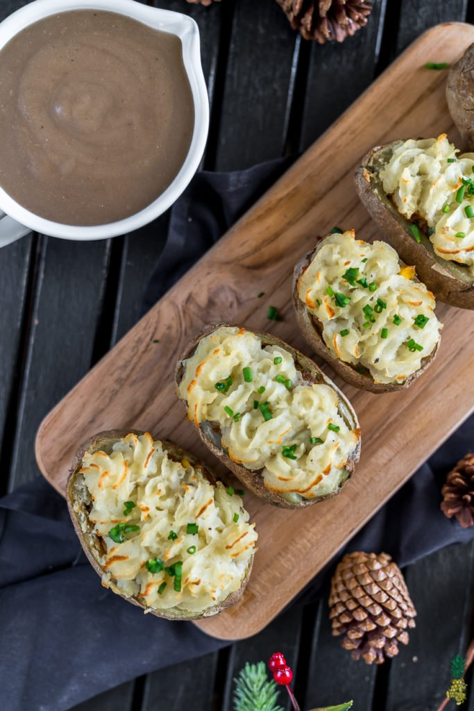 Vegan Shepherd's Pie Potato Boats #holiday #easy #vegan #sweetsimplevegan #christmas #party #appetizer #entree #thanksgiving #shepherdspie