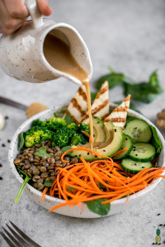 How To Make an Easy Ginger Miso Dressing | Only 7-Ingredients + Soy & Oil-Free! sweetsimplevegan.com #ginger #miso #dressing #vegan #oilfree #lowfat #easy #salad #asian