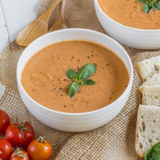 The easiest vegan tomato soup that requires only 6 ingredients and under an hour to prepare! #vegan #tomato #soup #budget #6ingredients #lowfat 3oilfree #glutenfree #entree #soup