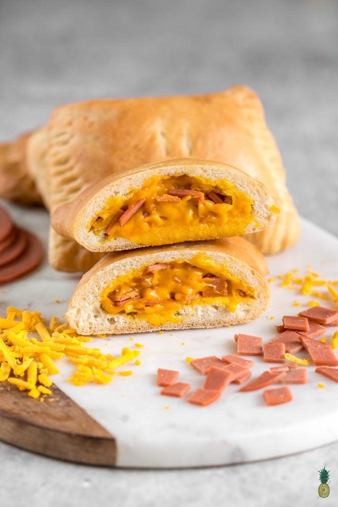 26 Mar Vegan Ham and Cheese Hot Pockets