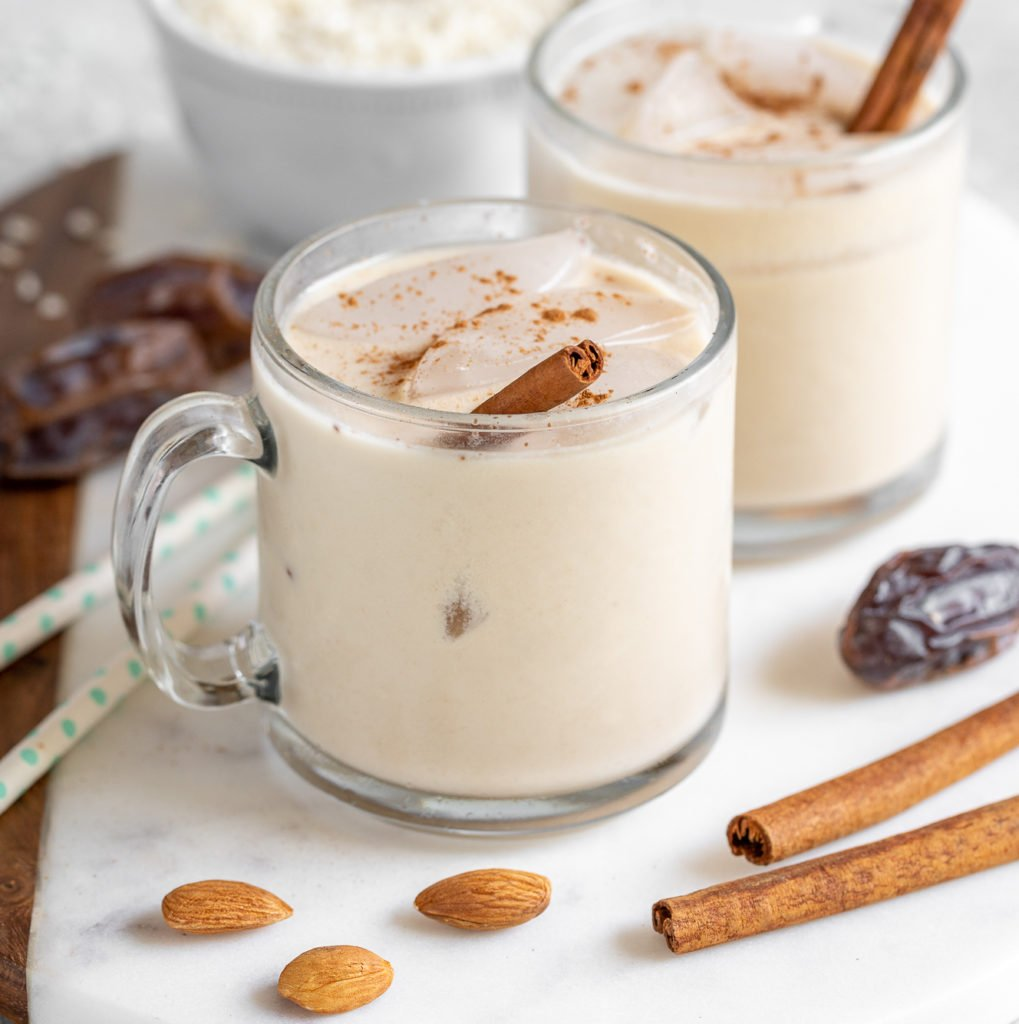 An easy homemadehorchata recipe that requires just 6-ingredients and is SO easy to make. Not only is it delicious, but it is also free of refined sugar and sweetened with dates!#datesweetened #refinedsugarfree #sugarfree #horchata #cinnamon #medjool #vegan #cincodemayo #beverages #spiked #dessert