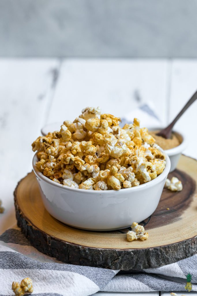 No need for store-bought microwave popcorn again! This quick, cheap and easy snack is perfect for summer parties or movie nights at home. The fiesta seasoning gives it a unique kick that everyone will love.#party #summer #snack #kids #homemade #quick #cheap #easy #lazy #vegan #cheese #fiesta #taco #mexican #lastminute #summerparty #kids #sweetsimplevegan