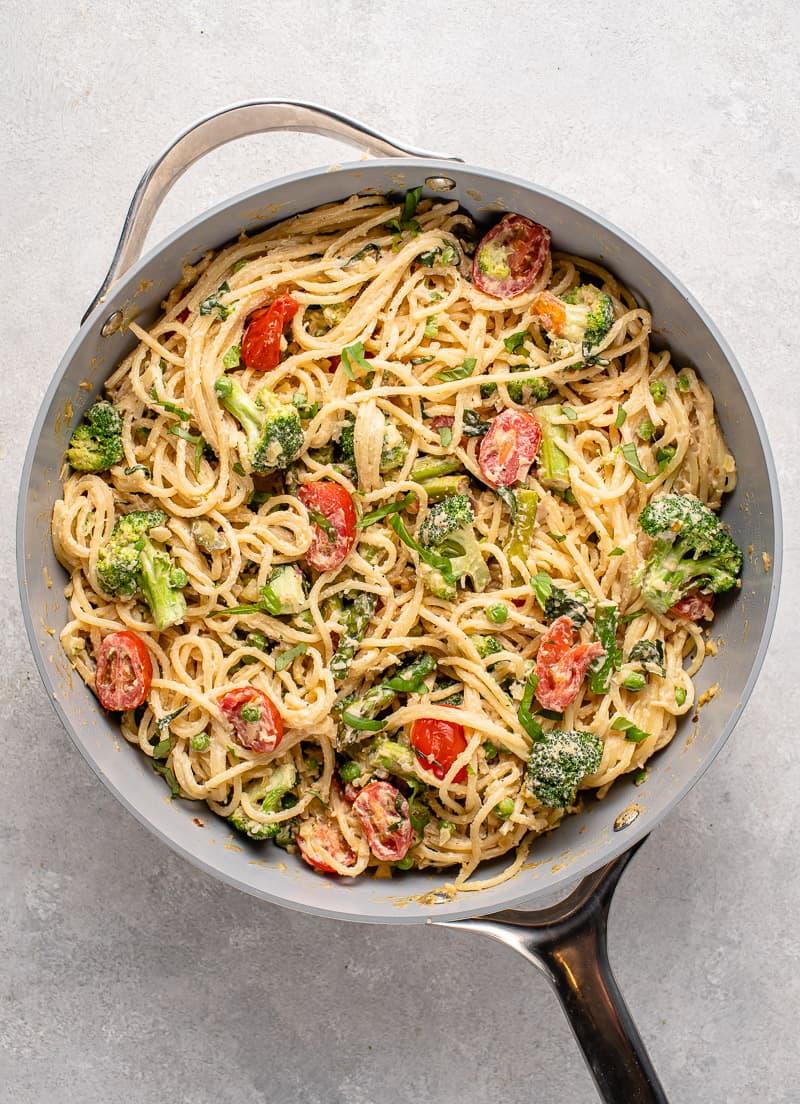 Overhead image of easy vegan pasta primavera in pan