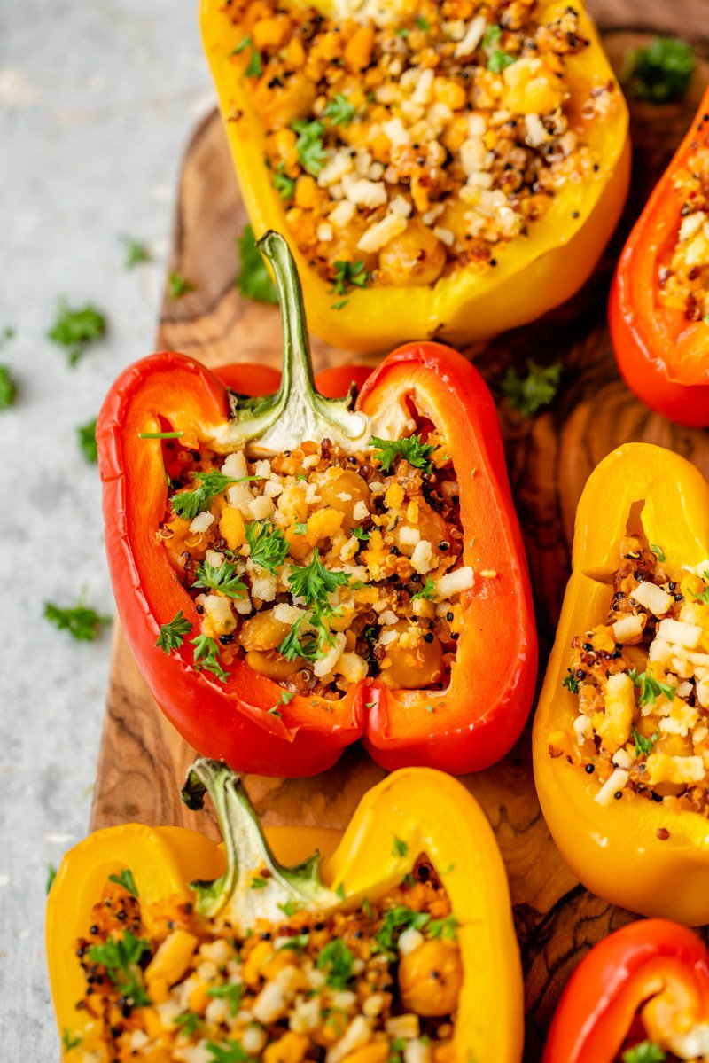 macro image of 5-ingredient stuffed pepper
