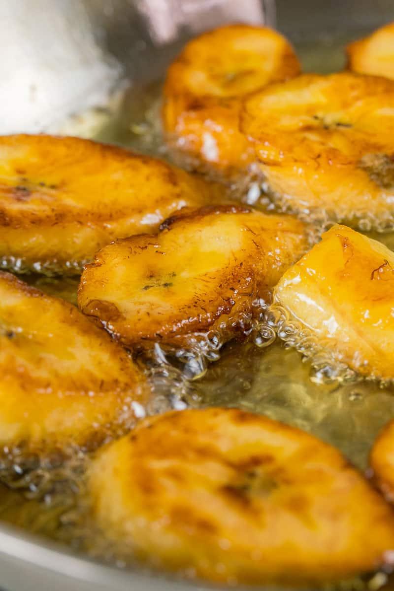 step by step Plátanos Maduros Fritos